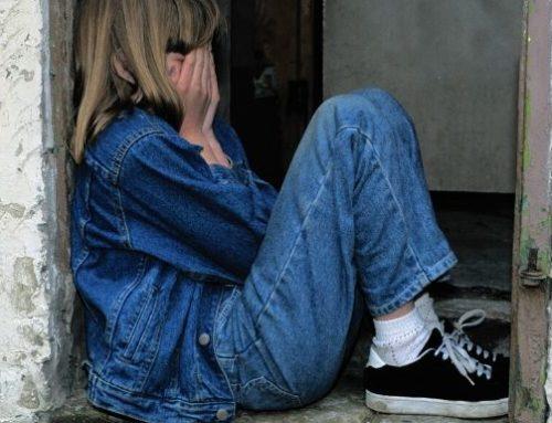 Cómo estar aislado puede afectar la salud mental de su hijo